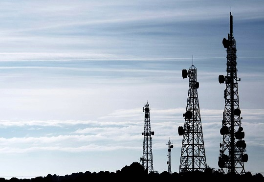 Ethiopia to sell minority stake in Ethio Telecom, issues licenses to